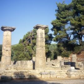 Hera templi varemed